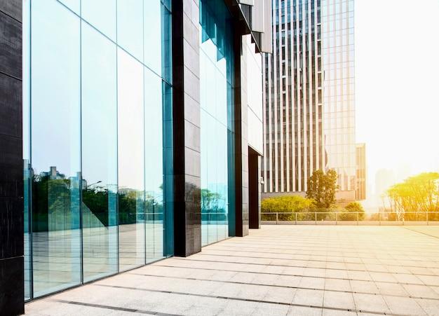 超高層ビルビジネスオフィスの窓 無料写真