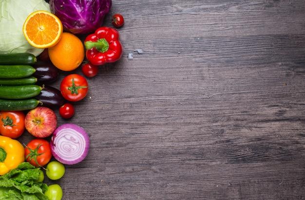 野菜や果物と表 無料写真