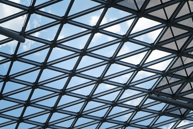 建築物、金属フレームのクローズアップ Premium写真