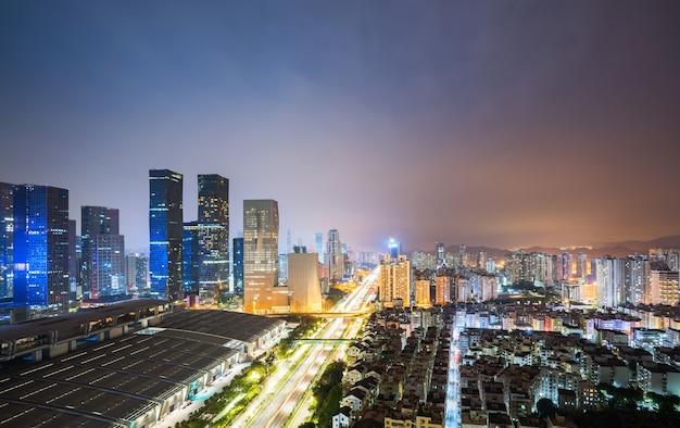 深セン、中国の近代的な都市建築の風景 Premium写真