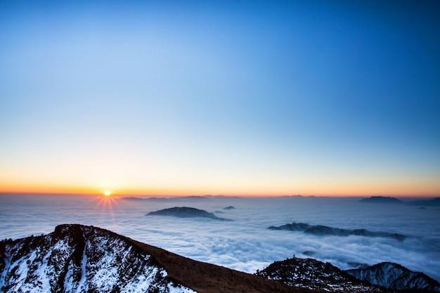 日没山の頂上 無料写真