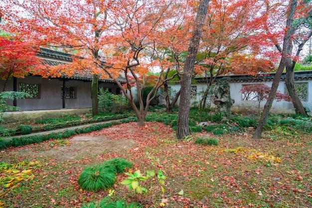 Сучжоу гарденс, сад скромного администратора в сучжоу, китай Premium Фотографии