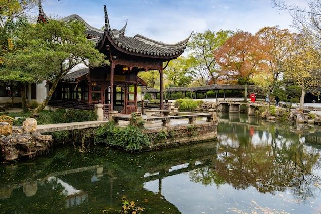 蘇州ガーデンズ、中国蘇州の謙虚な管理者の庭 Premium写真
