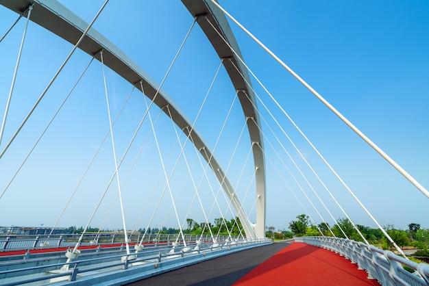 現代の橋と川 Premium写真