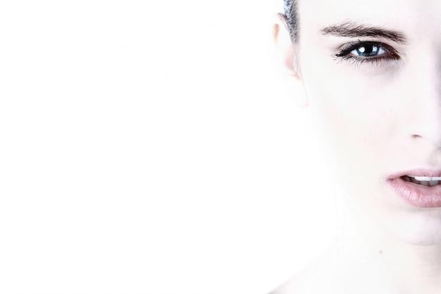 女性の顔の肖像画 無料写真