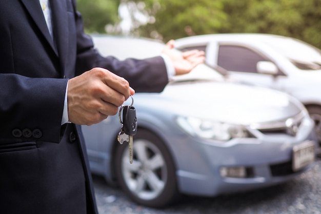 車のセールスマンと運転テストサービス Premium写真