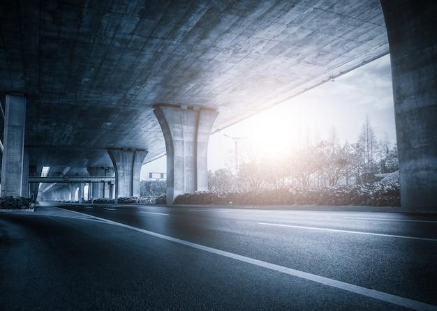 Под мостом на закате Бесплатные Фотографии
