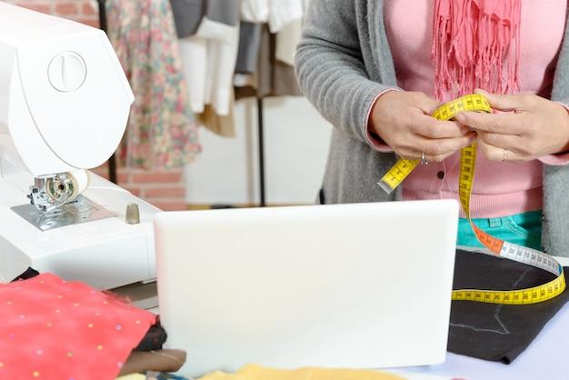 縫製ワークショップ Premium写真