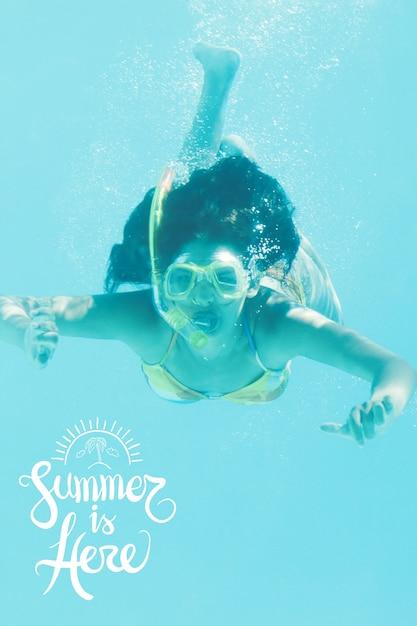 Большой фон с женщиной подводное плавание Бесплатные Фотографии