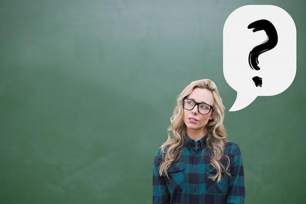 疑問符と思いやりが若い女性 無料写真
