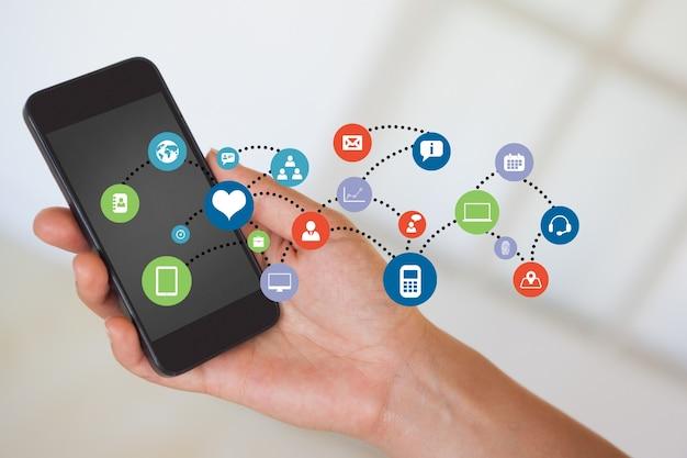 Крупный план мобильного телефона с облаком приложений Бесплатные Фотографии