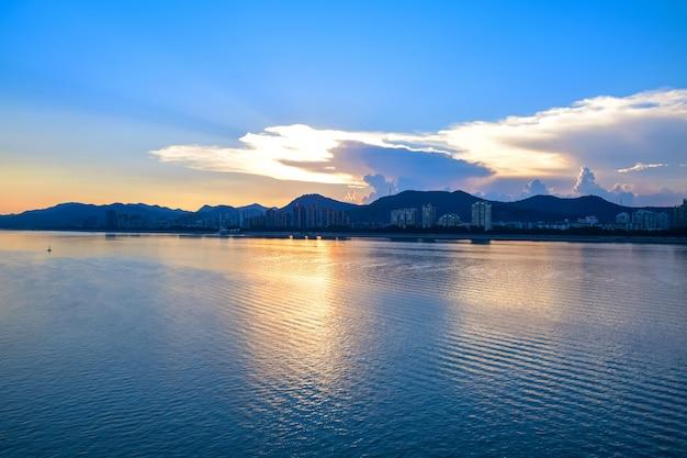 夕日と雲 無料写真
