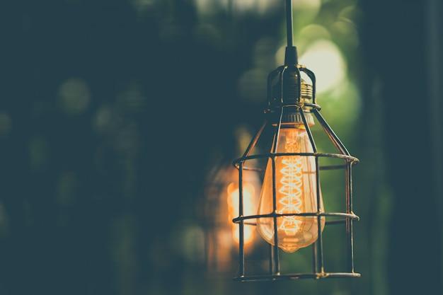 Ретро эдисон лампочка декор Premium Фотографии