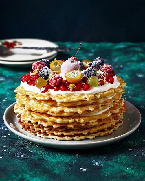 Русский вафельный торт со сметаной и ягодами Бесплатные Фотографии