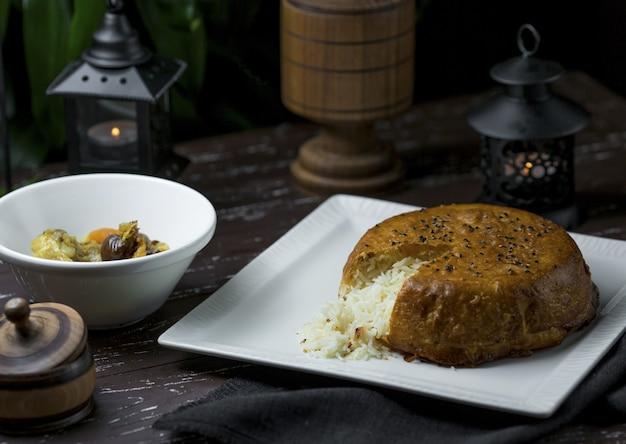 ピザスライス形状カットシャープロフ、国立アゼルバイジャン料理 無料写真