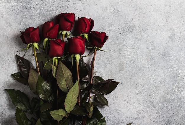 День святого валентина, женский день матери, подарок красной розы Бесплатные Фотографии