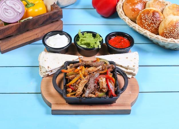 ランチに美味しい食べ物 無料写真