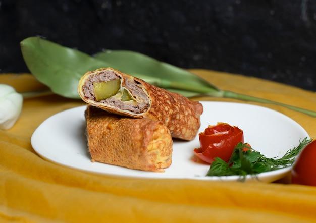 肉とマリネした食品とロシアのスナックブランチク 無料写真