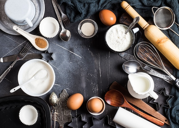 Приготовление выпечки кухонных ингредиентов для приготовления рамы Бесплатные Фотографии