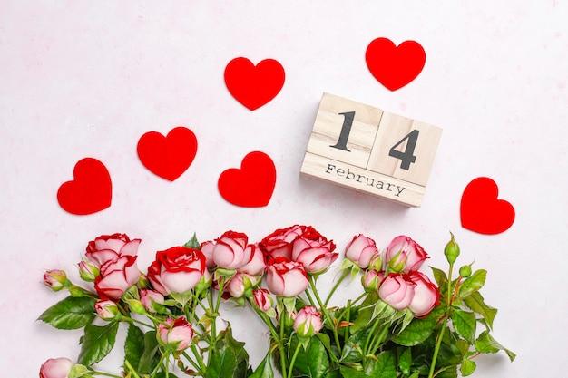 バラと赤いハートバレンタインデー 無料写真