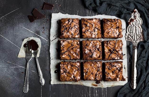 チョコレートブラウニーケーキピースパイ自家製ペストリー甘い料理 無料写真