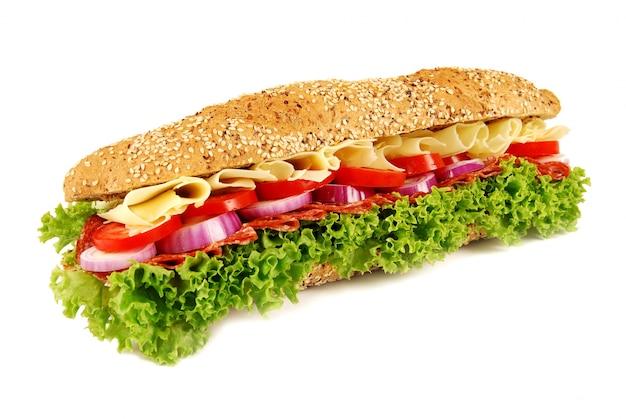 隔離された白い背景にバゲットのサンドイッチ 無料写真