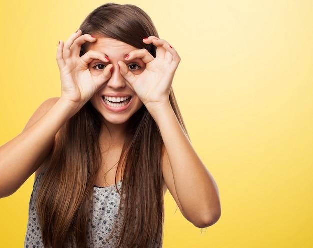 ジョイフル十代の彼女の手と一緒に遊ん 無料写真