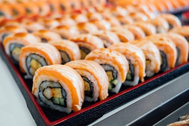 サーモンロール寿司 無料写真