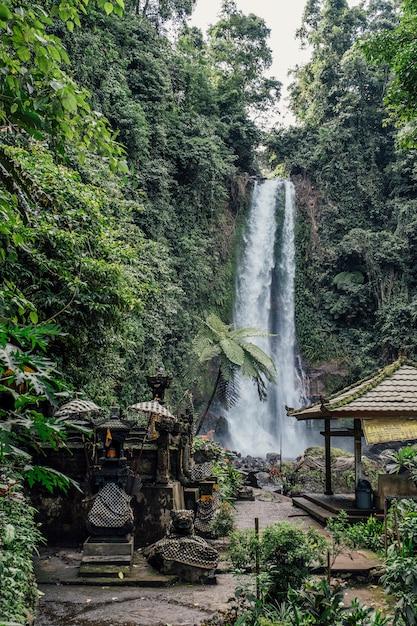 インドネシア・バリ島の滝 無料写真
