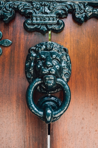 ドアでビンテージハンドル 無料写真