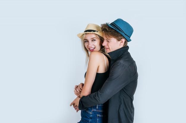 一緒に面白いカップルのファッション 無料写真