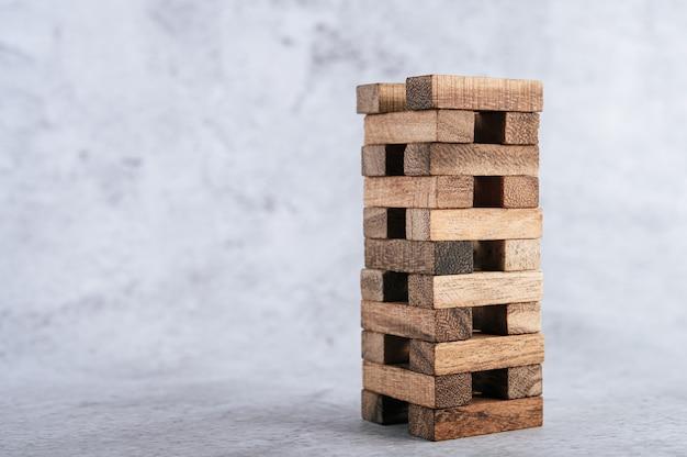 Деревянные блоки, используемые для игр в домино. Бесплатные Фотографии
