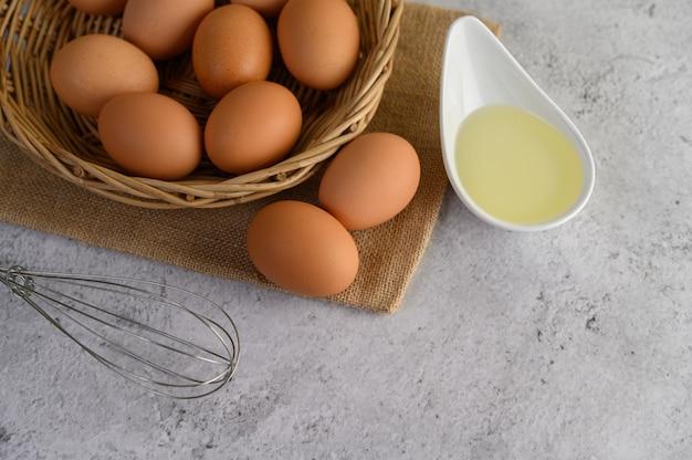 食事の調理用の卵 無料写真