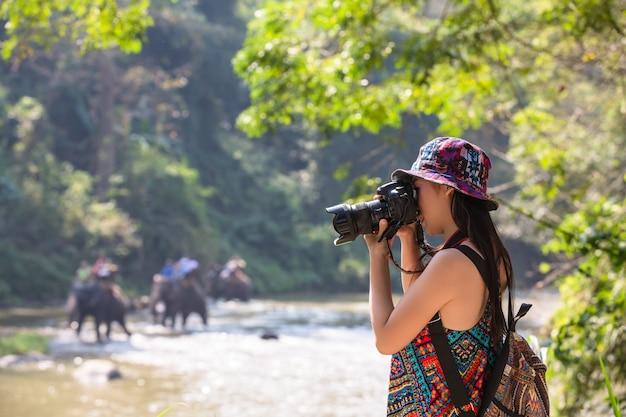 女性観光客 無料写真