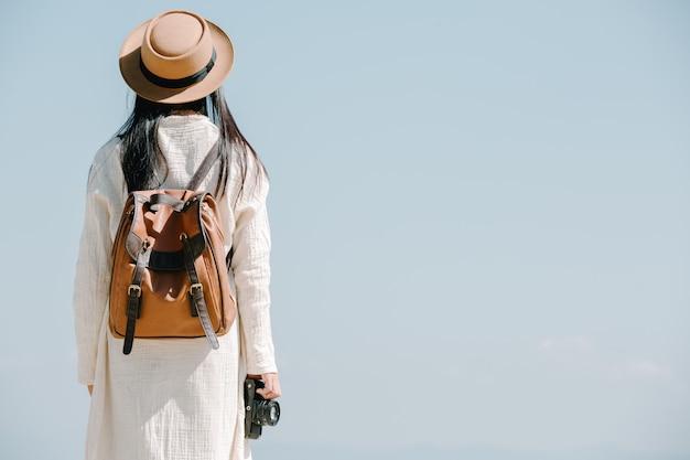 Женщины-туристы, которые фотографируют атмосферу Бесплатные Фотографии