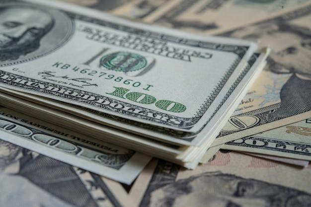 ビリードル。お金の背景 無料写真