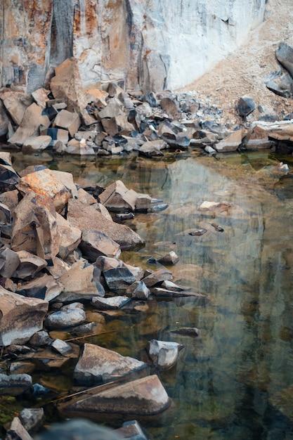 花崗岩の石の採石場の壮大な眺め 無料写真