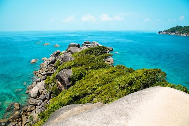 タイのシミラン諸島。美しい青い海 Premium写真