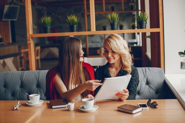 ビジネスマン、カフェ 無料写真