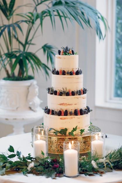 かわいいウエディングケーキ 無料写真