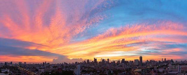 Пустое красивое небо панорамный вид Premium Фотографии