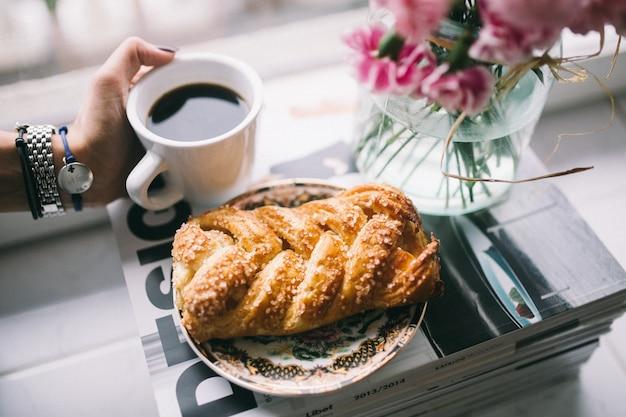 甘いペストリーとコーヒー 無料写真