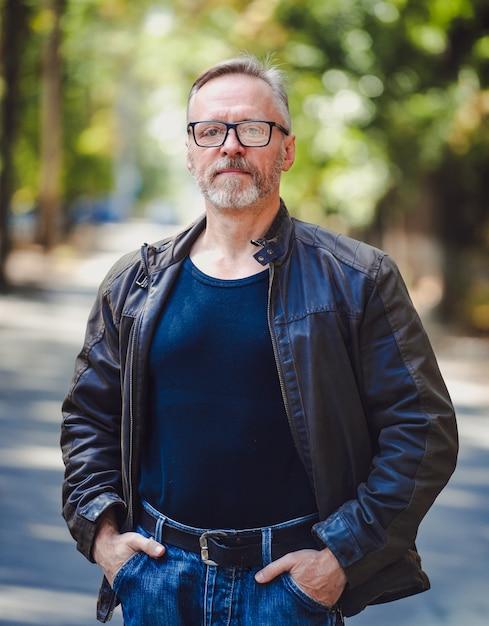 мужчины средних лет галерея фото один многих