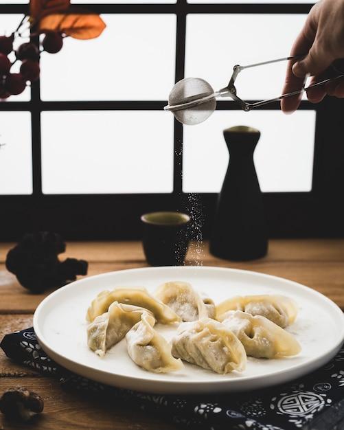 おいしいイタリア餃子のレシピ、皿の上の 無料写真