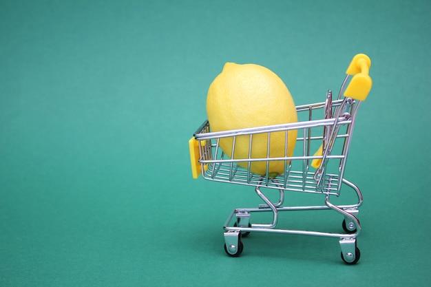 ショッピングカートのレモン Premium写真