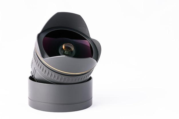 白い背景のカメラレンズ Premium写真