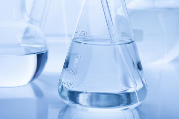 Лаборатория лаборатория трубки для концепции химии Premium Фотографии