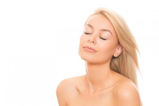 白で隔離される自然に美しい女性 Premium写真