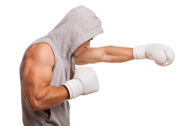 パーカーの男性ボクサー Premium写真