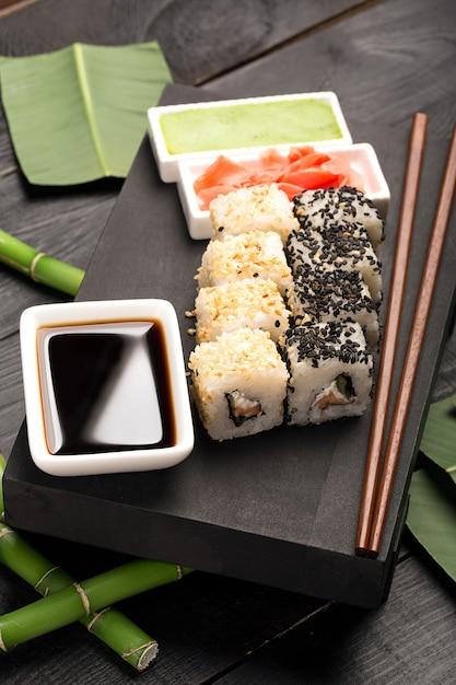 巻き寿司 Premium写真